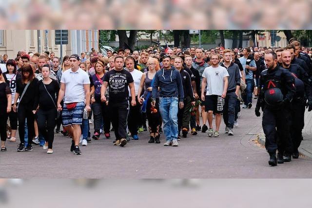 Wenn Bürger mit Extremisten marschieren, kann Toleranz zu Schwäche werden