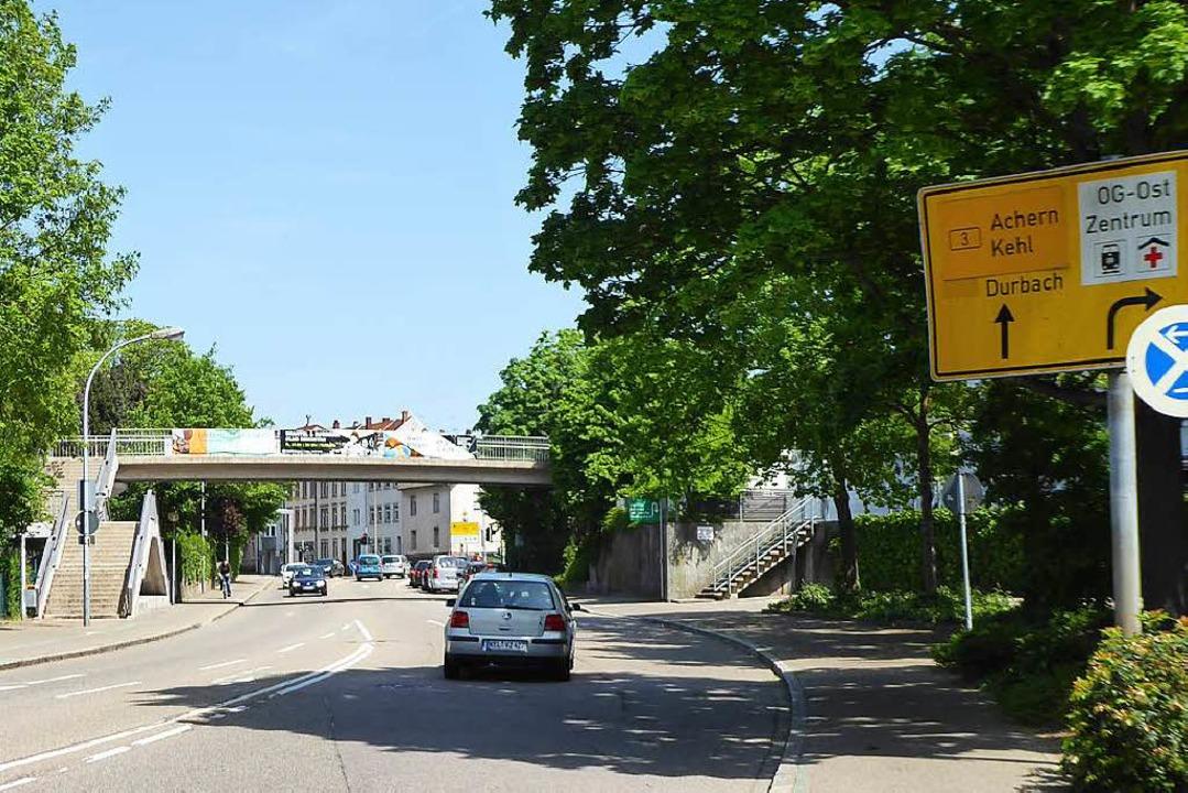 Tatort Offenburg: Auf der Fußgängerbrü...altigt und durch Bisse verletzt haben,  | Foto: Helmut Seller