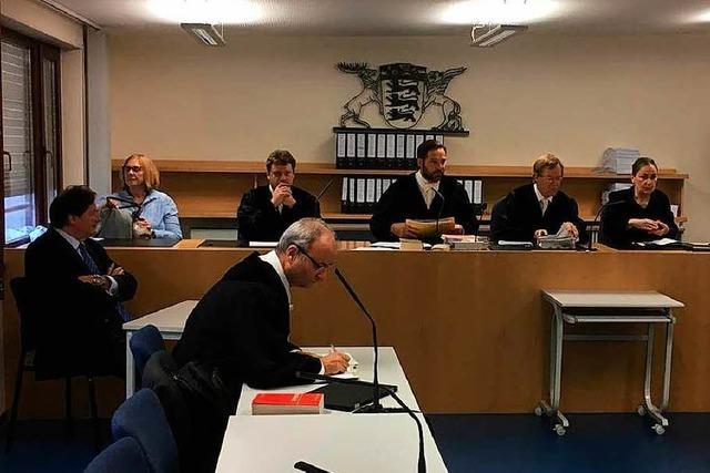 Prozessauftakt gegen Ex-Dekan aus Lahr – Anwalt: