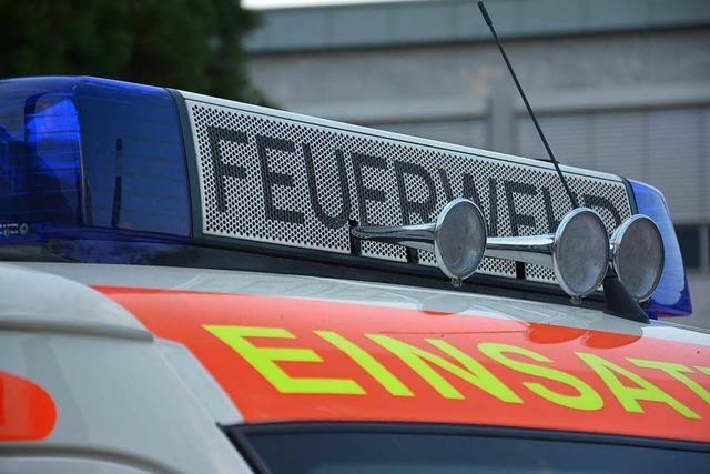 Feuerwehr in Weil am Rhein befreit Baby aus verschlossenem Auto