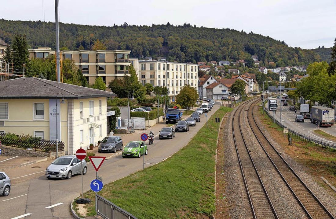 Nur langsam geht's in Waldshut v...htete Verkehrskollaps aber blieb aus.     Foto: Peter Rosa