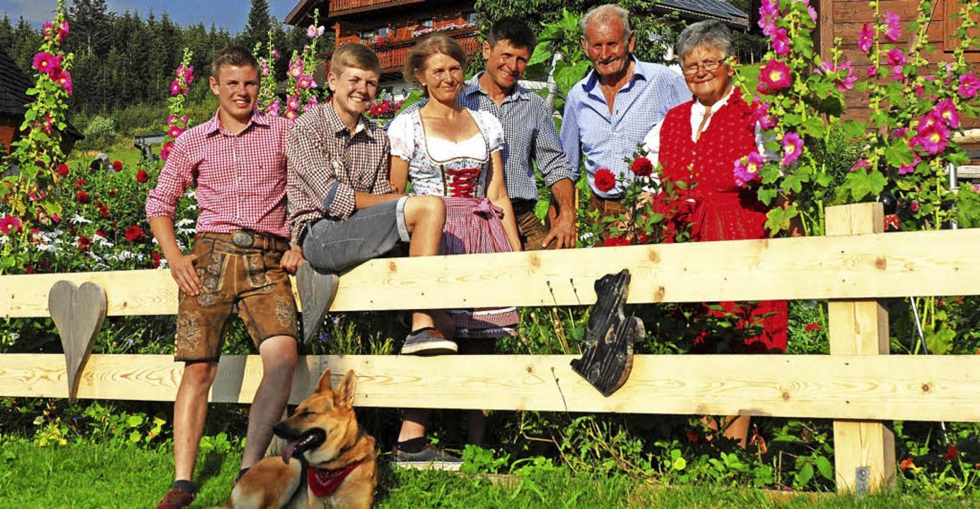 Sie sind im Finale des Votingswettbewe...z, Andrea, Matthias, Alfons und Klara.  | Foto: Privat