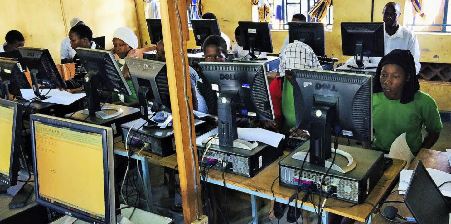 An der Berufsschule in direkter Nachba...chen einen Ausbildungsberuf erlernen.   | Foto: STEP Uganda