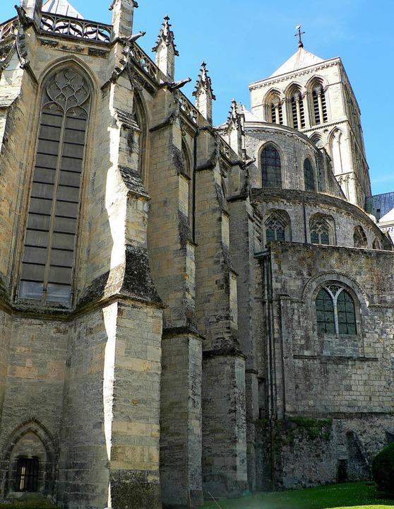 Beeindruckend ist die Benediktinerabtei in Fécamp.   | Foto: Charlotte Pötter
