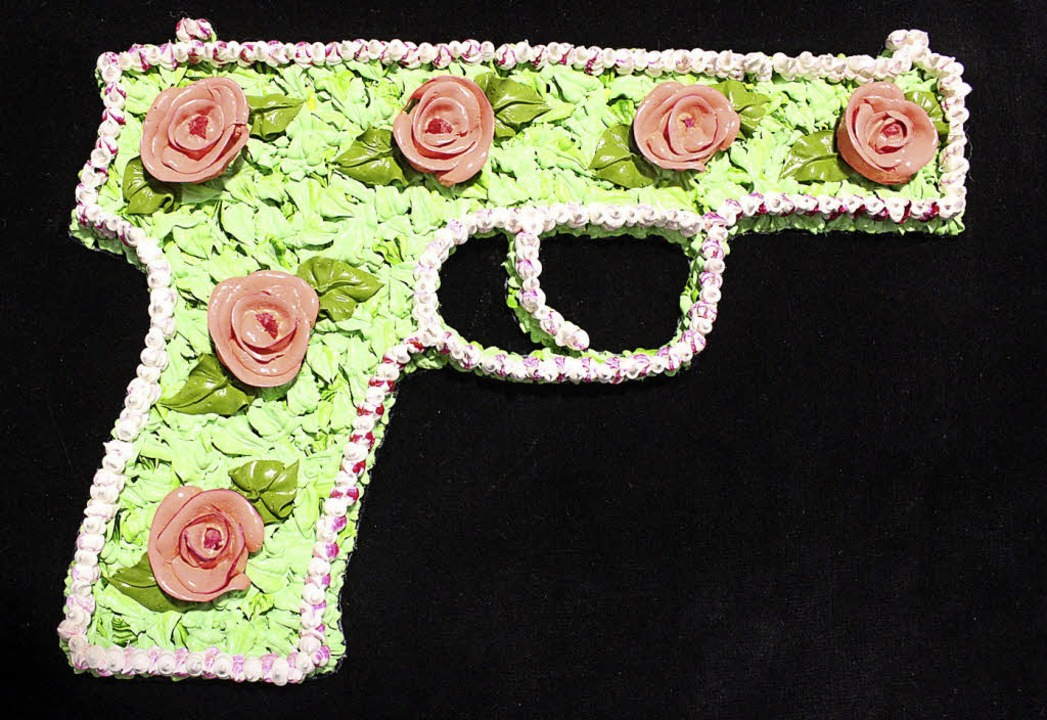 In Spritztechnik erarbeitet: Pistole von Hamid Ghodratmand   | Foto: Krieger