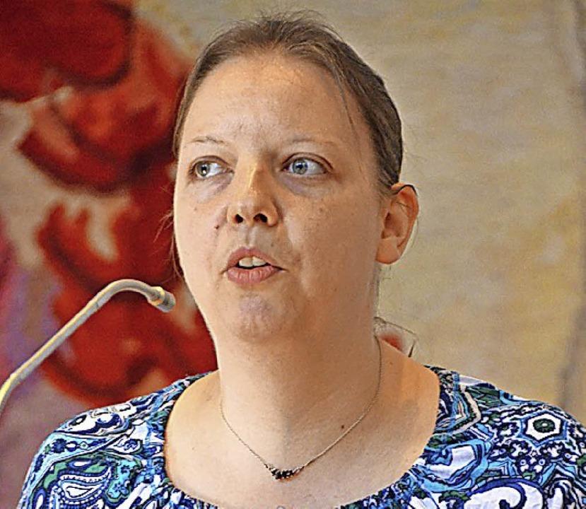 Pastoralreferentin Christina Betz bei ...orstellung in der Gemeinde Höllstein.   | Foto: Rasenberger