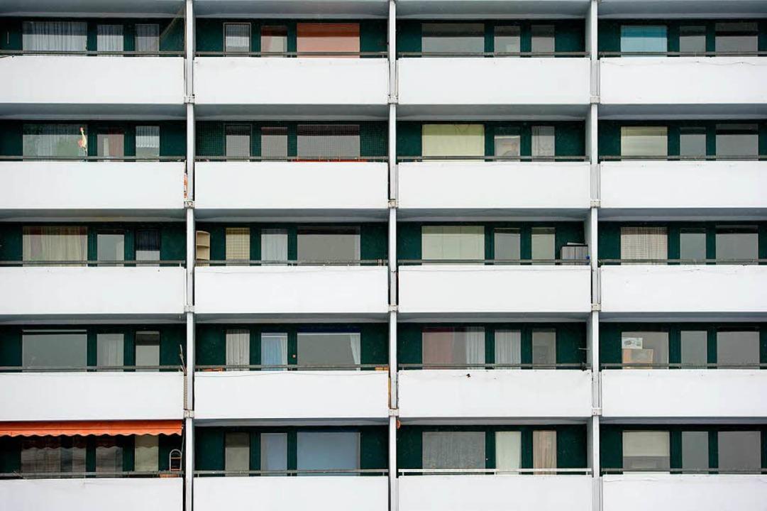 Es geht um den Verkauf von 33.000 GBW-...gen an den Patrizia-Immobilienkonzern.  | Foto: Sven Hoppe