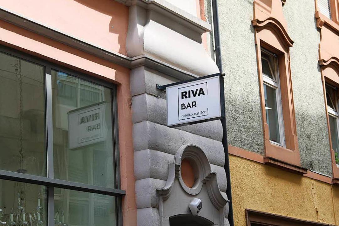 Tanzen in der Riva Bar: Das ist jeden Donnerstag möglich    Foto: Gina Kutkat
