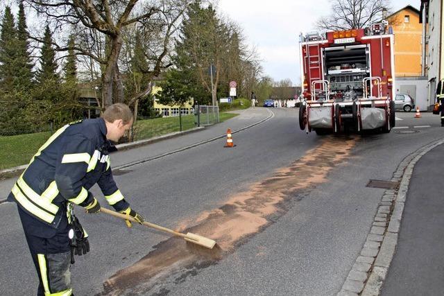 Ölspuren setzen den Feuerwehren zu