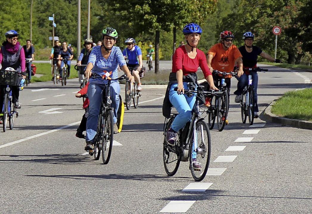 Am Sonntag gehört die B34 nur den Radlern.  | Foto: Rolf Reißmann