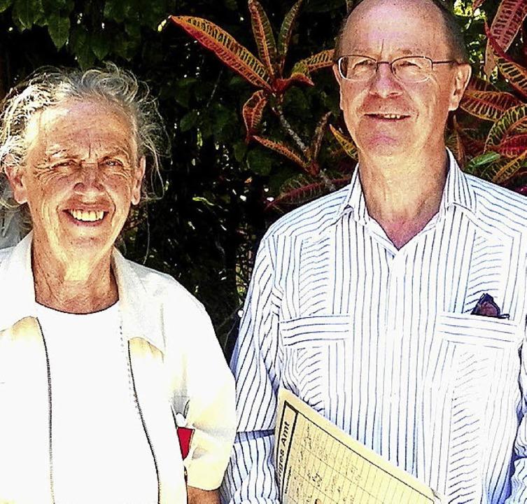 Anneliese Gutmann bei der Verleihung d...tschen Botschafter Klaus-Peter Schick   | Foto: privat