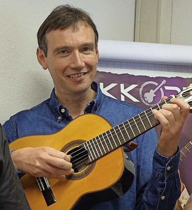 Der Gitarrist Harald Stampa veranstalt... Gitarrenworkshop in Schloss Beuggen.   | Foto: Roswitha Frey