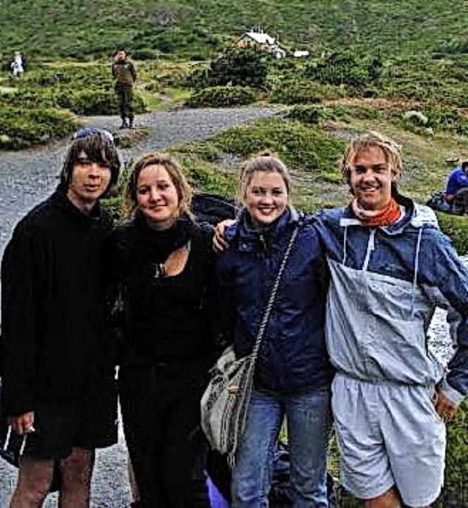 BZ-Redakteur Christian Engel (rechts) ...eunden in einem  Nationalpark in Chile  | Foto: Silvia Engel