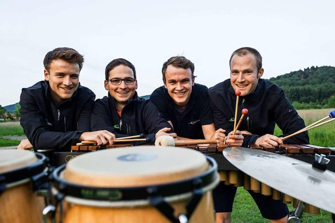 Schlagfertiges Quartett: Lucas Grammel... Hug, und Markus Schneider (von links)  | Foto: Daniel Schoenen