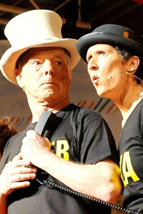 Müller und Riesterer sind ein eingespieltes Team auf der Bühne.  | Foto: Hans-Peter Müller