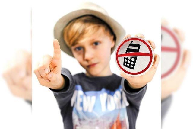 Pro & Contra: Sollten im Unterricht Handys verboten werden?