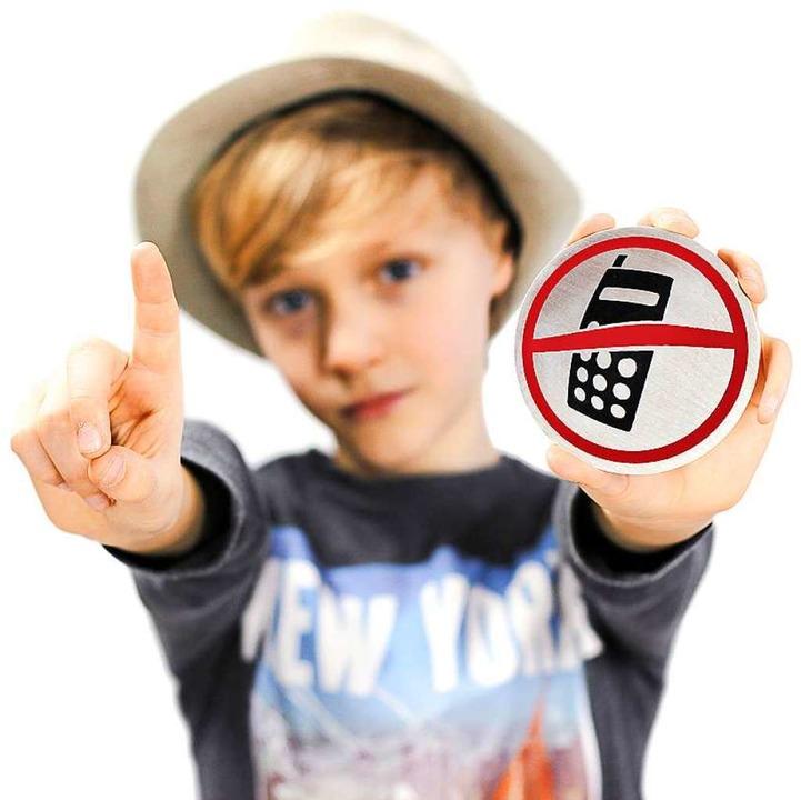 Sollten Handys an Schulen verboten werden?  | Foto: Sir_Oliver - stock.adobe.com