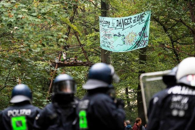Polizei räumt Besetzungen im Hambacher Forst