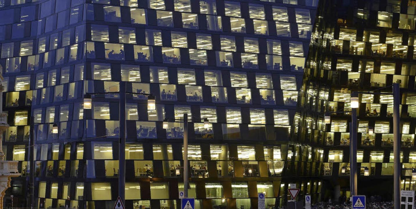 Mit voller Beleuchtung in der Nacht is... dem 1. Oktober nicht mehr zu rechnen.  | Foto: ingo schneider