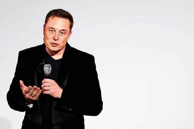 Elon Musk raucht Gras vor der Kamera