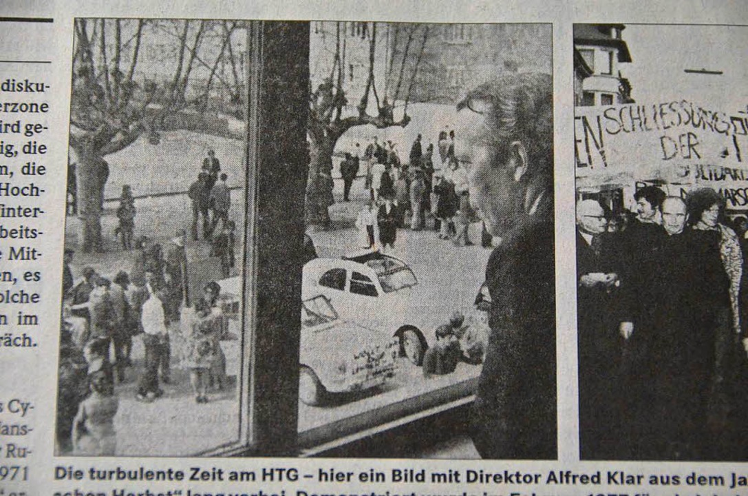 Alfred Klar schaut aus dem Lehrerzimmer auf den Schulhof des HTG.  | Foto: Sabine Ehrentreich