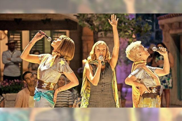 Mamma Mia 2 in Lenzkirch, bei Regen im Kino im Höfle