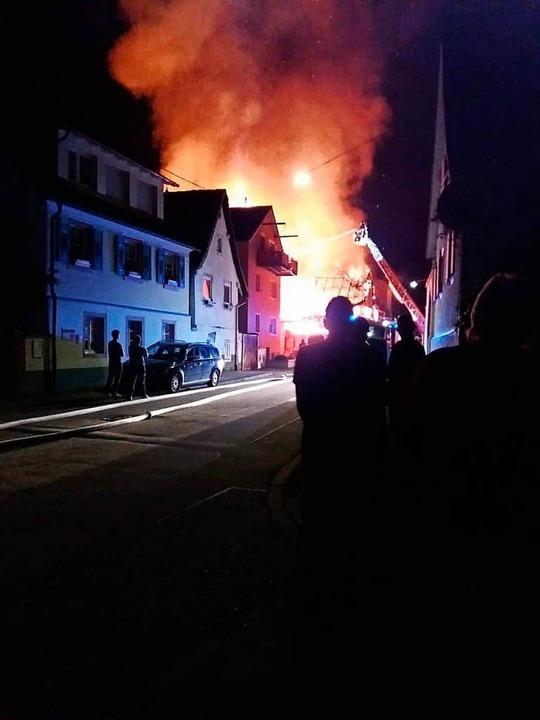 Großbrand in Teningen    Foto: Leann Feiner/Dennis Buderer