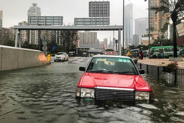 Taifun wütet auf den Philippinen und in China - Viele Tote