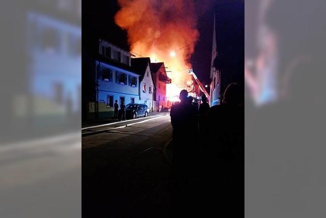 So hat die Feuerwehr den Großbrand in Teningen bekämpft