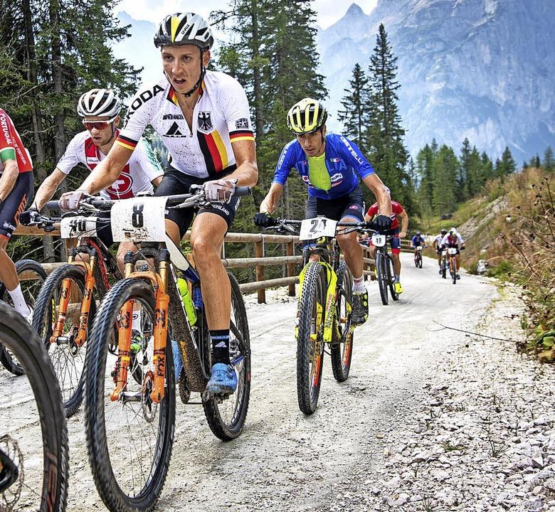 Rasant bergauf: Simon Stiebjahn bei der Marathon-WM in den Dolomiten  | Foto: Armin M. Küstenbrück