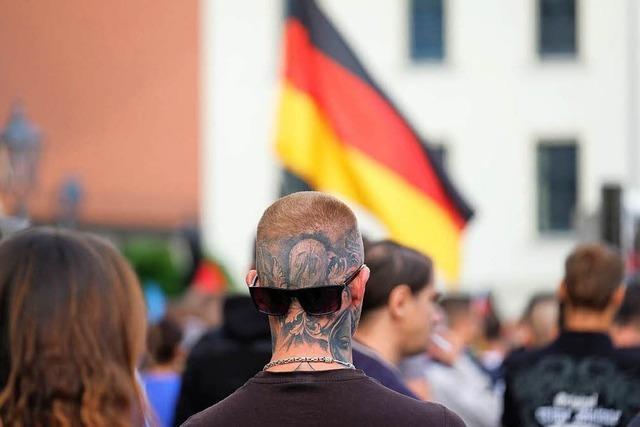 1400 Demonstranten ziehen wieder durch Köthen – zunächst friedlich