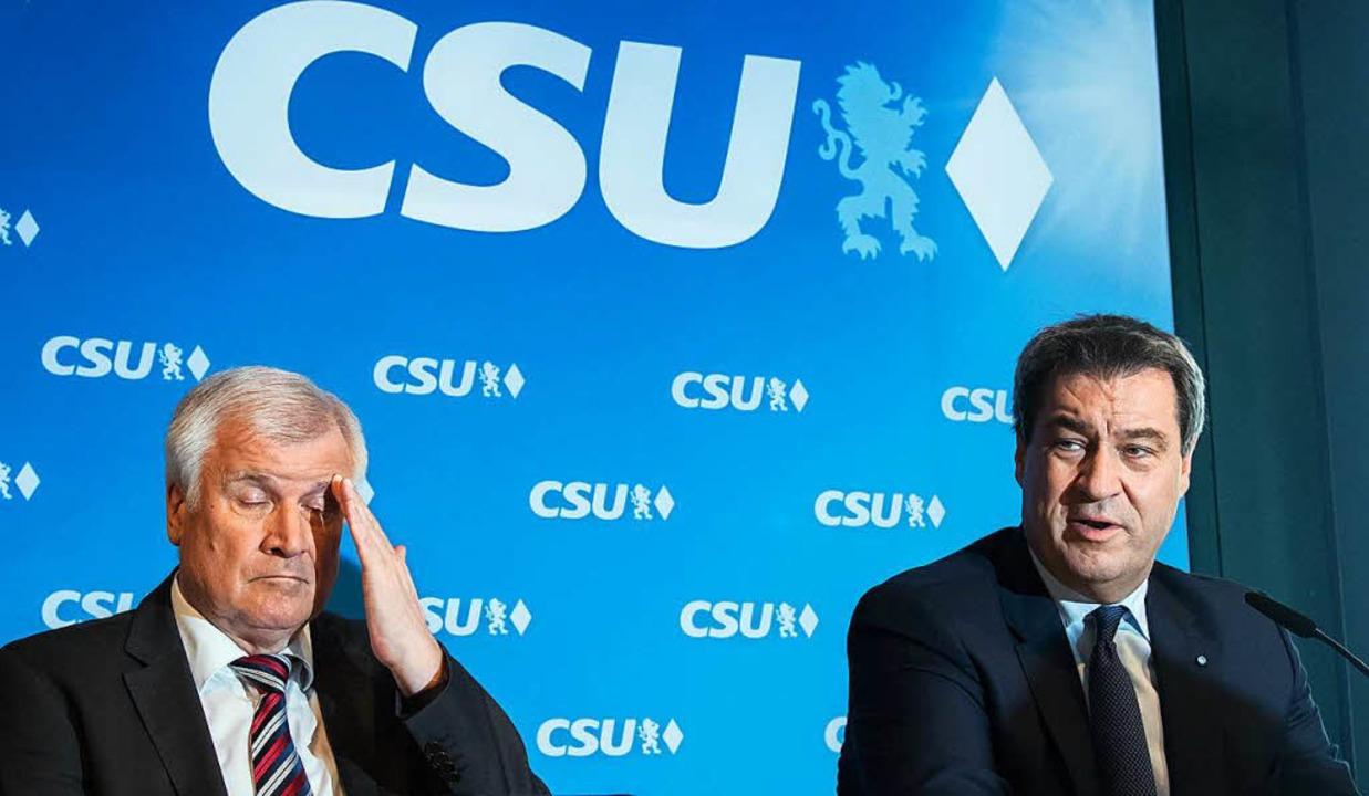 Parteichef Horst Seehofer (links, mit ...u einem  Problem für die CSU geworden.  | Foto: dpa