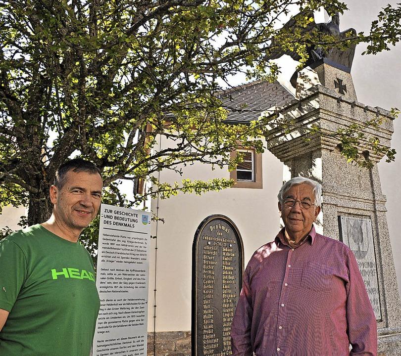Heimatgeschichte wird in Erinnerung ge...bert Schwarz (links) und Josef Kaiser.    Foto: Ursula Ortlieb