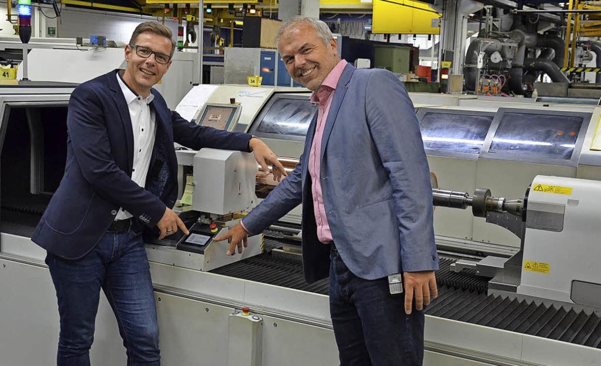 Holger Obergföll (links) und Rainer Ge...d Geschäftsführer der Firma Janoschka.  | Foto: Karl Kovacs