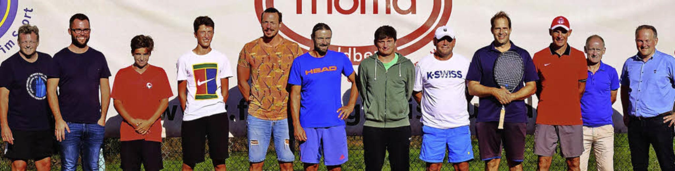 <BZ-FotoAnlauf>Tennis am  Feldberg:</B...i Haas und Thomi Ueber vom Orga-Team    | Foto: Milo Cotop