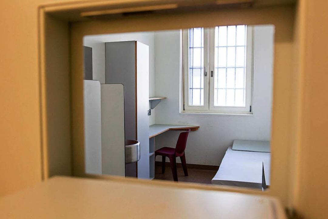 Hier kann eine Nacht ziemlich lang sei...afen hat Anne-Catherine Schmid nicht.   | Foto: adobe.com