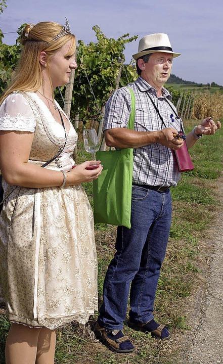 Claudia und Patrik Vetter vermittelten Wissenswertes rund um den Weinbau.   | Foto: Annika Sindlinger