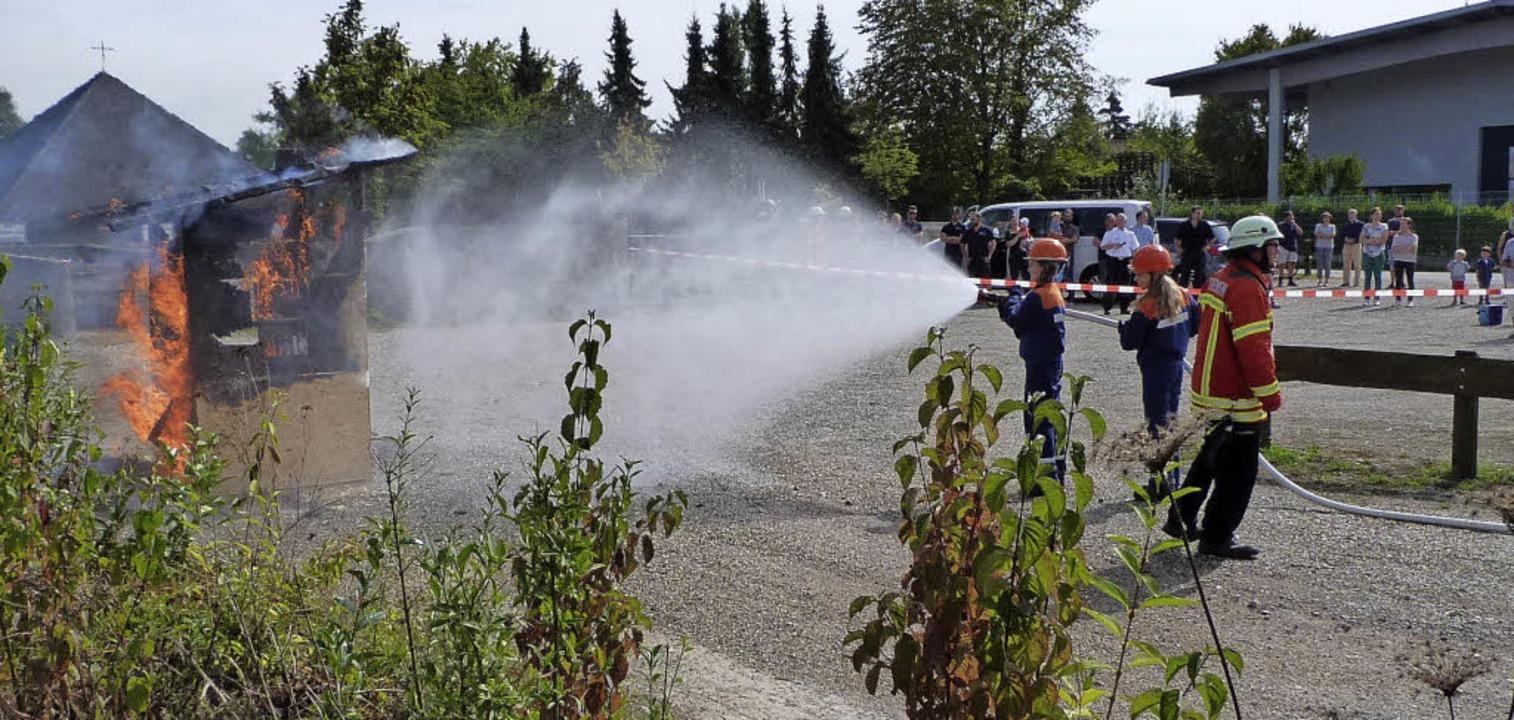 Bei der  Herbstübung der Feuerwehr Gün...g, dass sie schon viel gelernt haben.     Foto: Christine Weirich