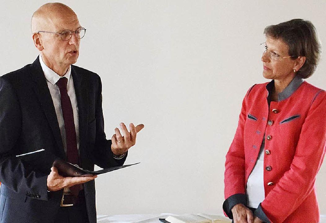 Marion Dammann und Pfarrer Martin Abraham sprachen  über Glaube und Politik.   | Foto: EKM