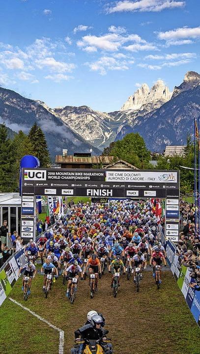 Auf die Mountainbiker wartete eine ext... das herrliche Panorama der Dolomiten.  | Foto: Küstenbrück, Schäuble