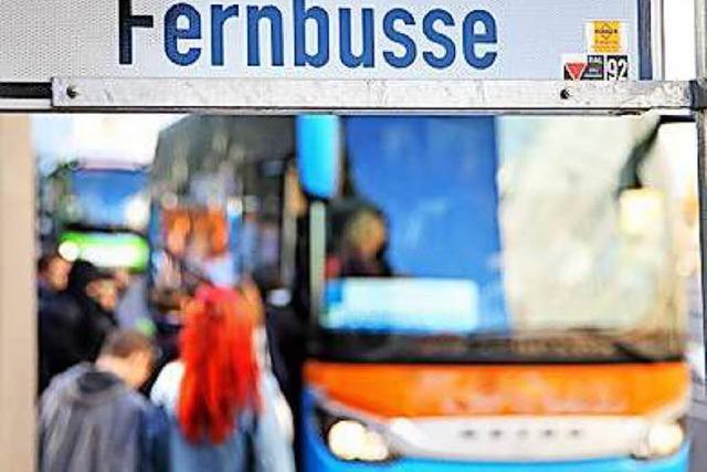Zoll erwischt Fernbusfahrer an der Grenze mit falschem Führerschein