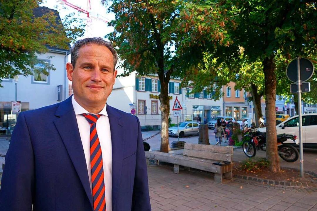 Dirk Harscher vor der ersten Station: Hauptstraße und Marktplatz  | Foto: André Hönig