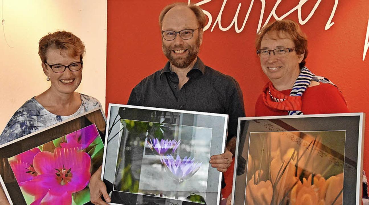 Uschi Kopp, Uwe Roder und Angelika Ris...reffen und Exkursionen der Fotogruppe.  | Foto: Andrea Steinhart