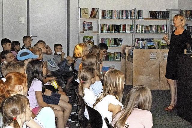 45 Kinder heiß auf Lesen