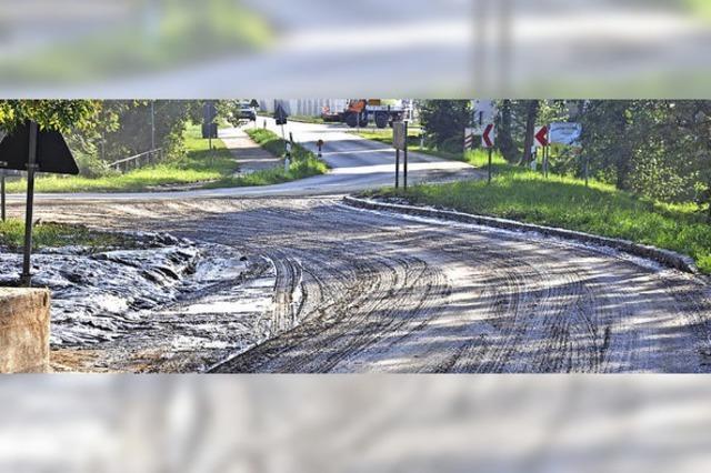 Starkregen löst Erdrutsche aus, Wehr und Werkhof reagieren schnell