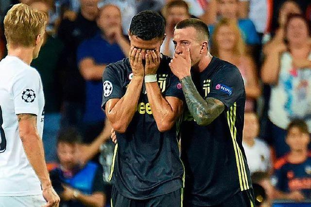 Cristiano Ronaldo sieht Rot bei Champions-League-Premiere für Juve