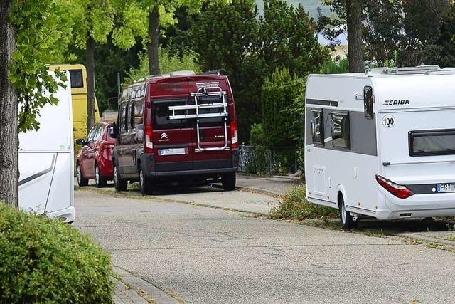 Anwohner von geparkten Wohnwagen genervt – und die Stadt gibt sich machtlos
