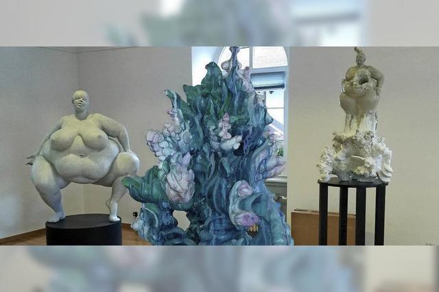 Das Toni-Merz-Museum in Sasbach zeigt die mächtigen Weibsleiber von Miriam Lenk