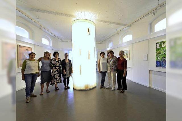 Das Museum für Natur und Mensch präsentiert eine internationale Installation von Frauen aus aller Welt