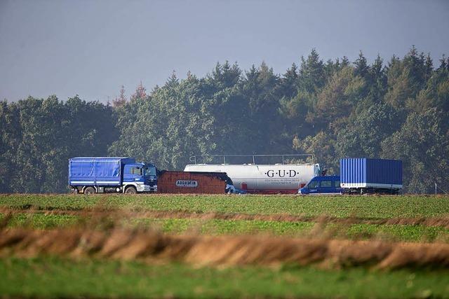 Moorbrand bei Meppen droht auf benachbarte Dörfer überzugreifen